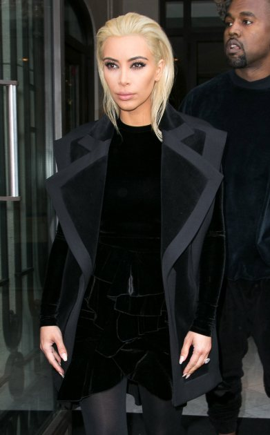 Kim K steals fashion week spotlight with new Blonde do!