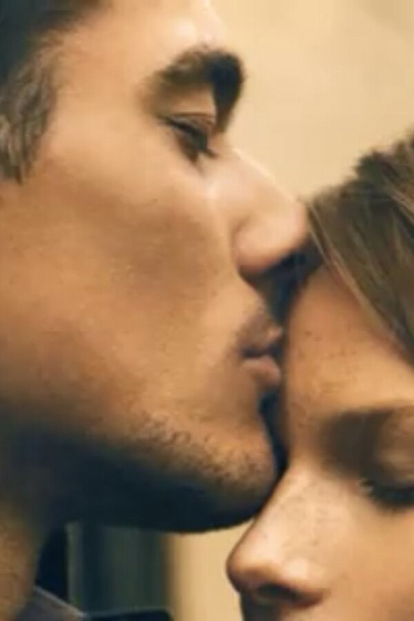 Why do people close their eyes when they kiss? check amazing reasons and improve your romance