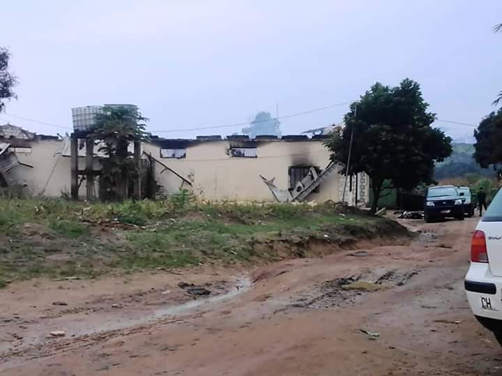 Images: Prison Break in Ndop as Pro independent fighters Storm the detention centre.