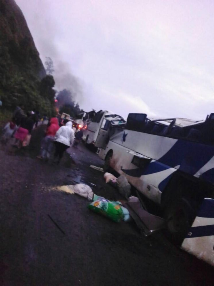 Images: Buses destroyed in Mile 8 Akum as Pro Independence fighters blocked the highway.
